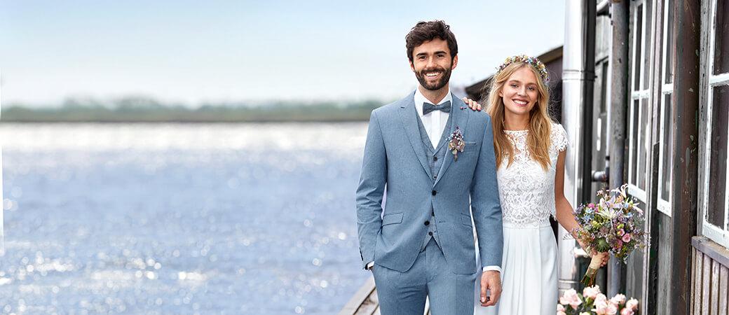 Brautpaar am Wasser